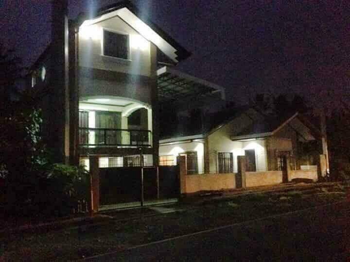 Transient 2 storey house (1)
