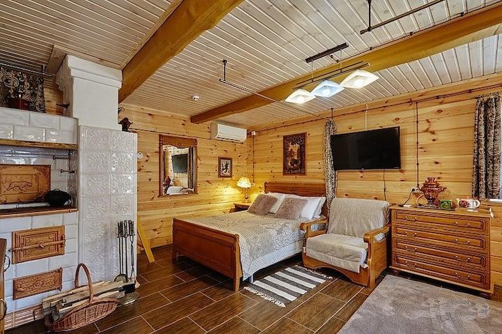 Дом в Беловежской пуще с сеновалом и печкой