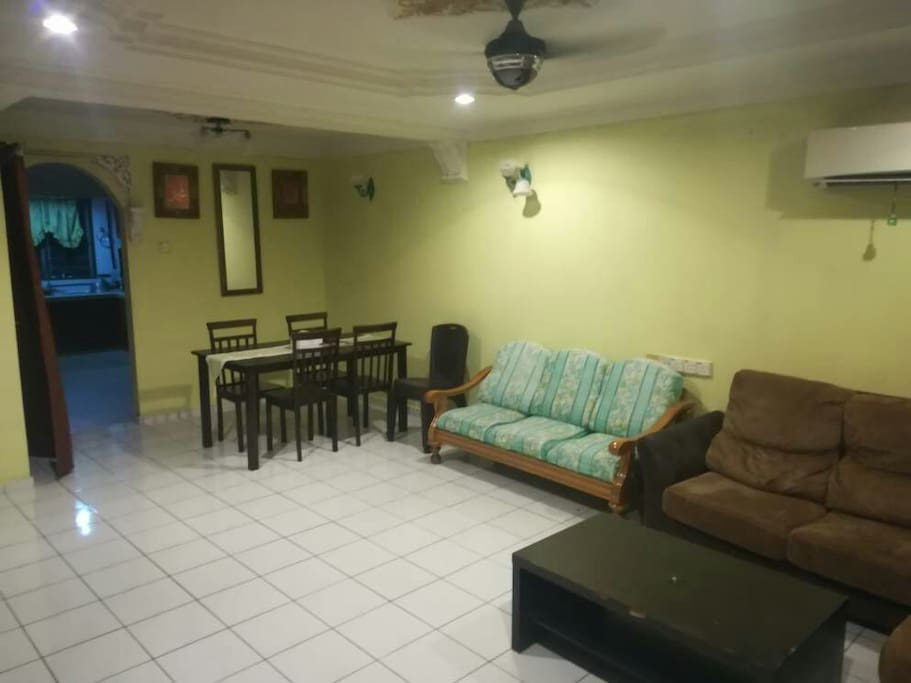 ruang tamu yg Selesa dan beraircond