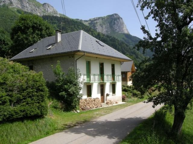 The secret mountain kingdom, Massif des Bauges - Doucy-en-Bauges - Haus