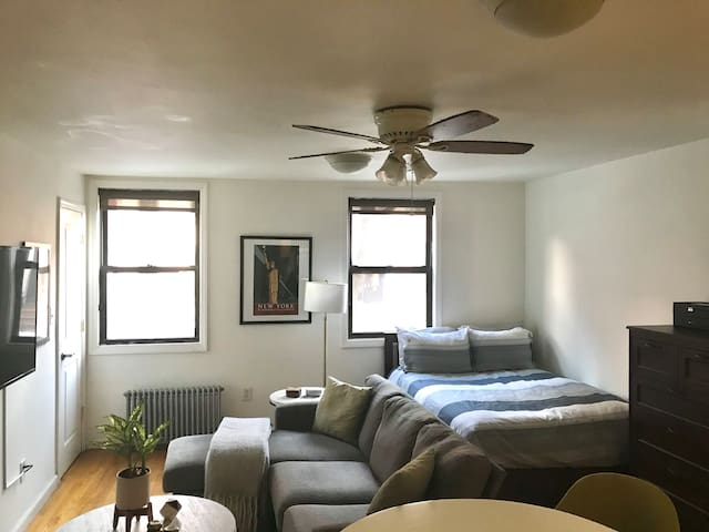 Bright, Clean and Charming Studio in Prime Chelsea