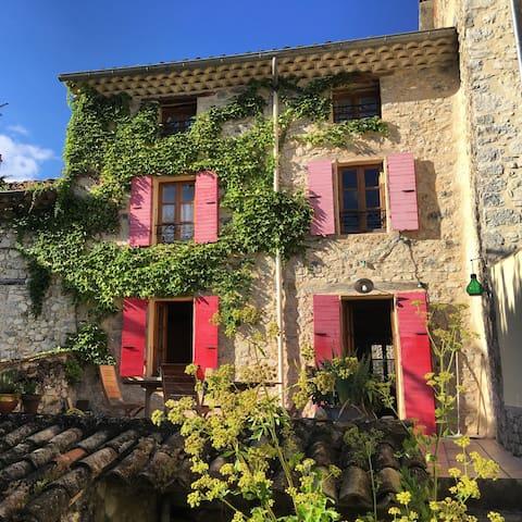 Maison de charme au coeur de la Drôme provençale - Sainte-Jalle - Rumah