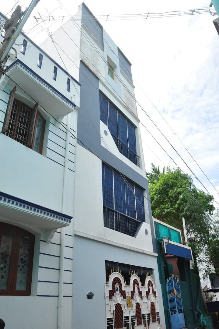 Vinoba Green house/ Pondicherry city center
