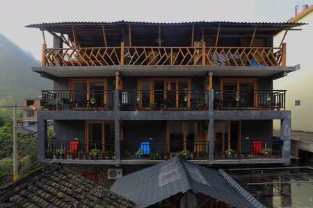 1石木小墅二楼双阳台复式房(含双早,阳朔县城接送一趟) - Guilin