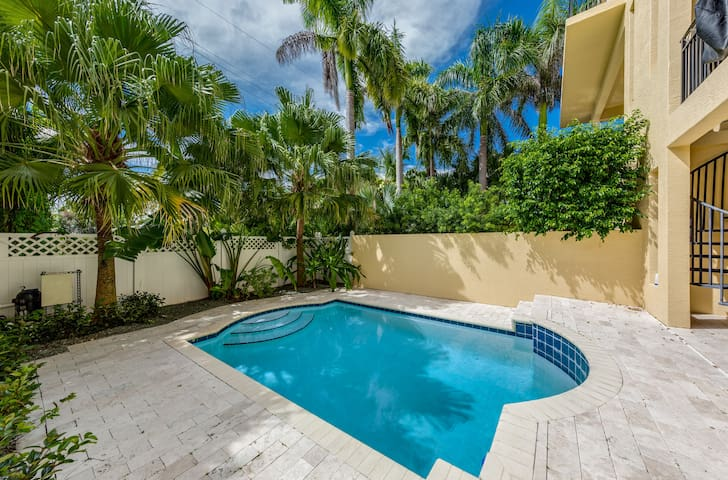 **BRAND NEW BEACHFRONT** Private Poolside Villa