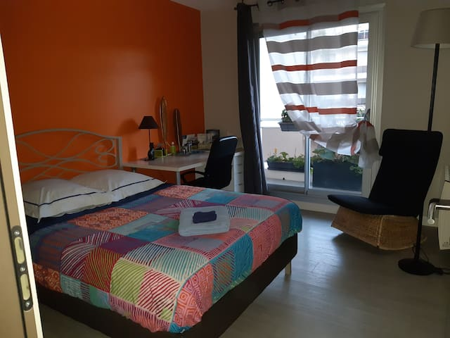 Chartres : chambre avec balcon