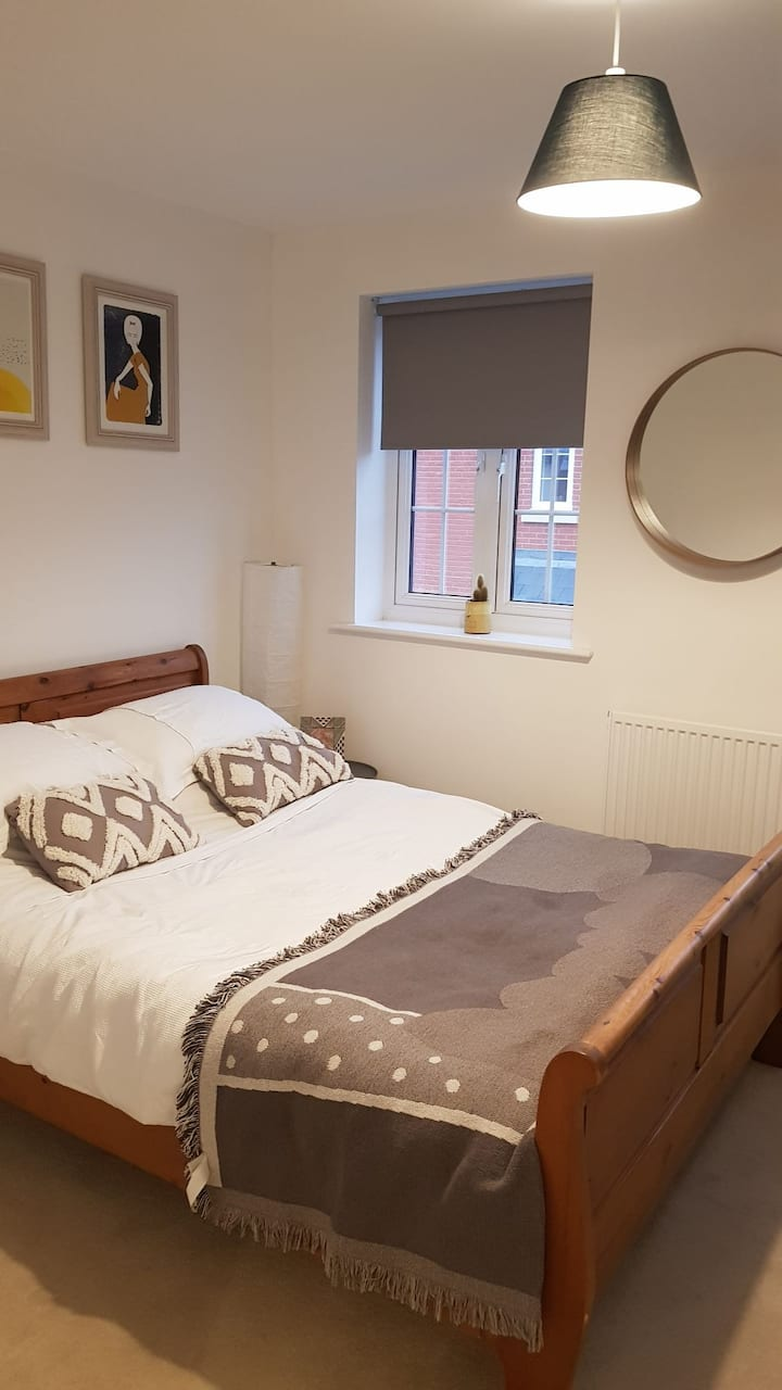 Double room near to Silverstone Circuit