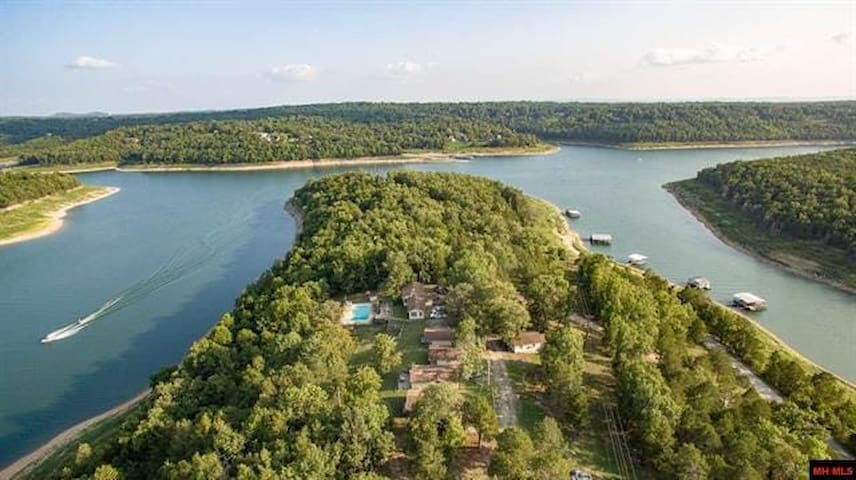 Located on the Howard creek arm of Bull Shoals Lake