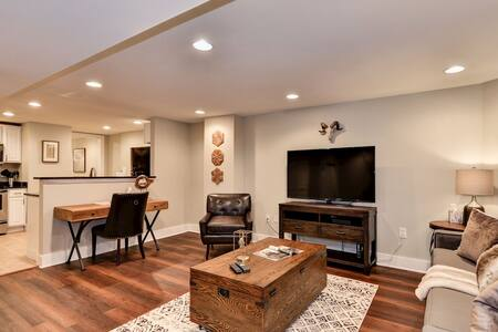 Luxury 1 BR English Basement in Perfect Location - Waszyngton