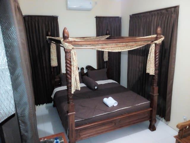 Villa Kemarang Private Room 25