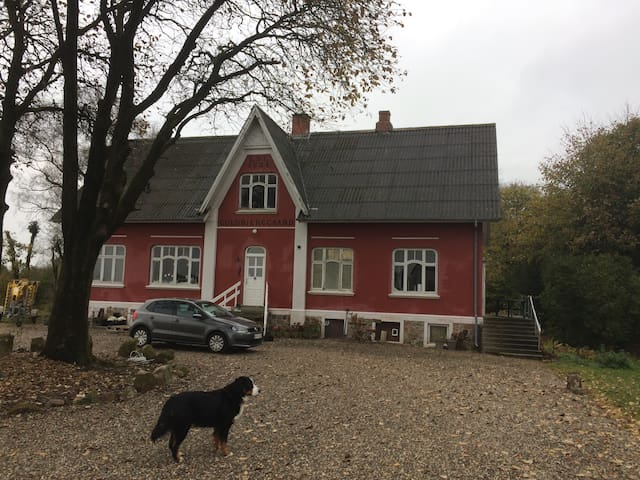 Guldbjerggaard. 10 minutes from MCH Herning.