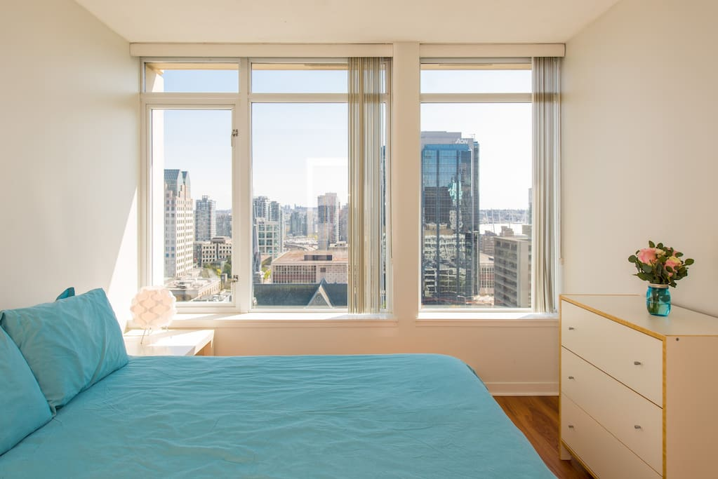 Luxury queen size bed with east views