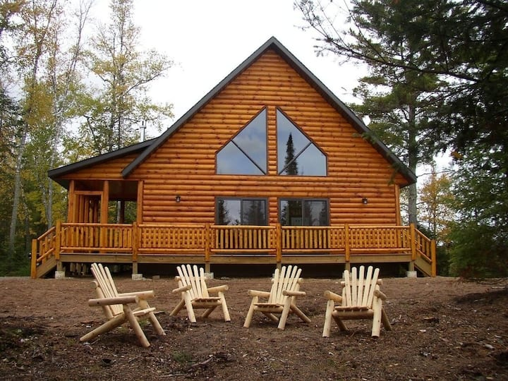 Waterfront Cottage Deep In The Woods - Eagles Nest