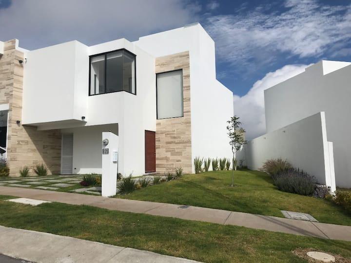 Casa ideal para disfrutar Querétaro y Zibatá.
