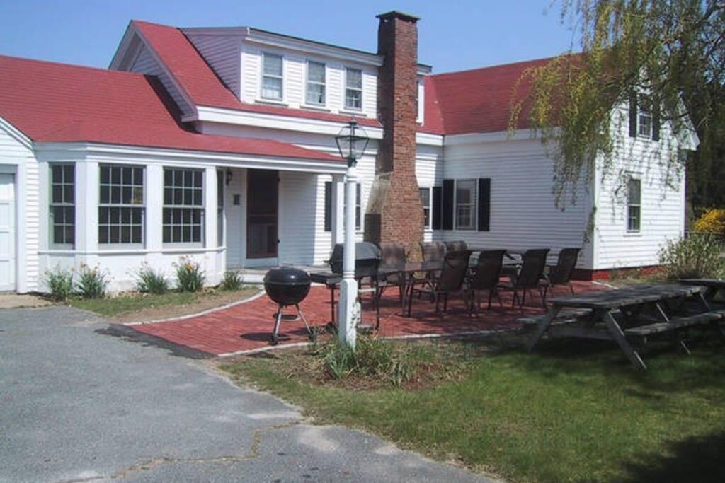 Antique Chatham Farmhouse (Rear)