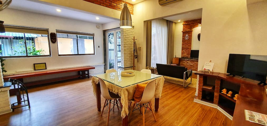 L's House with 2 Bed rooms -> 7min to Trainstation