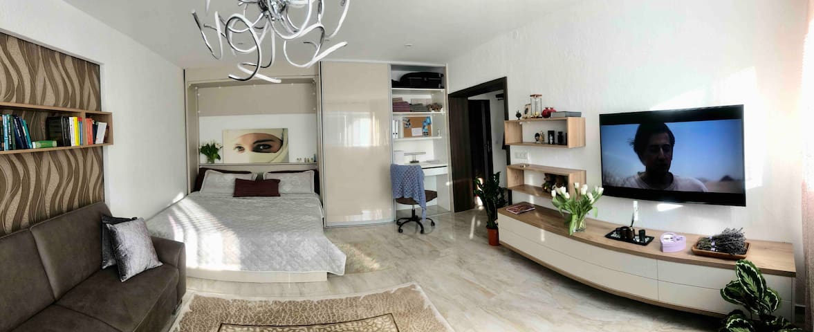 LAVENDER APARTMENT & private parking & BREAKFAST