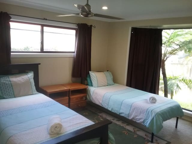 Mullaway Guest House by the sea (twin)