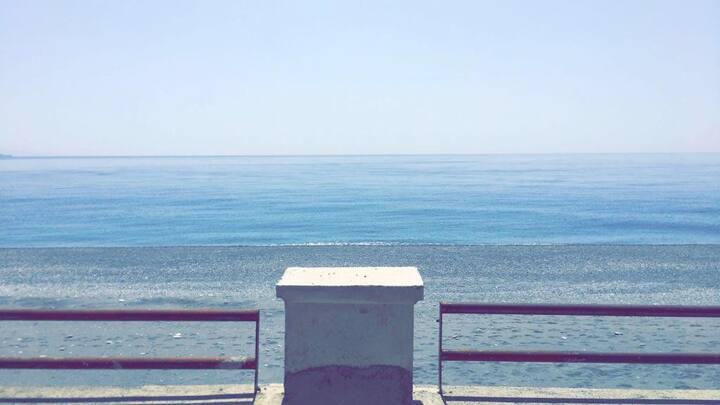Bilocale a 2 passi dal mare e da Taormina