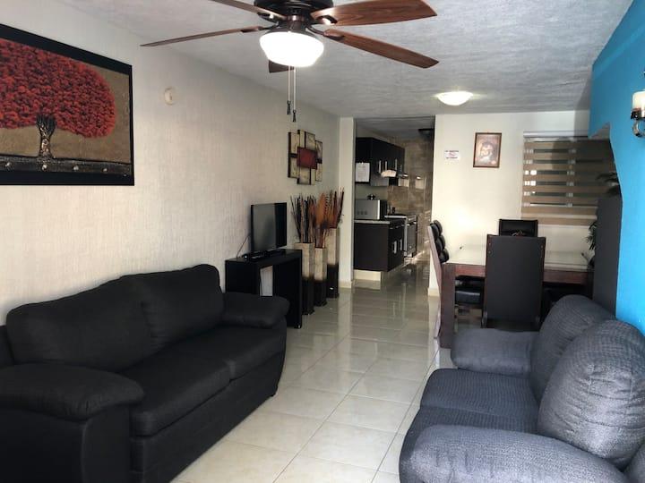 Bonita Casa Cerca del Aeropuerto de Guadalajara