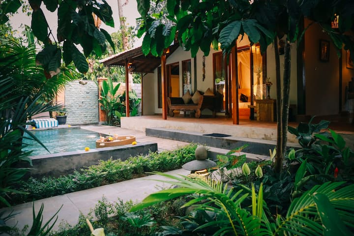 Private Vila with nature atmosphere by Pondok