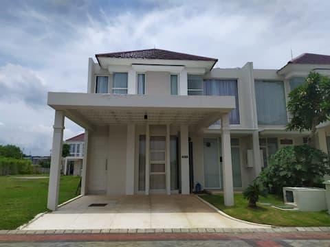 Beautiful New Townhouse at Grand Pakuwon Surabaya
