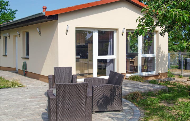 Holiday cottage with 2 bedrooms on 60m² in Behrenhoff