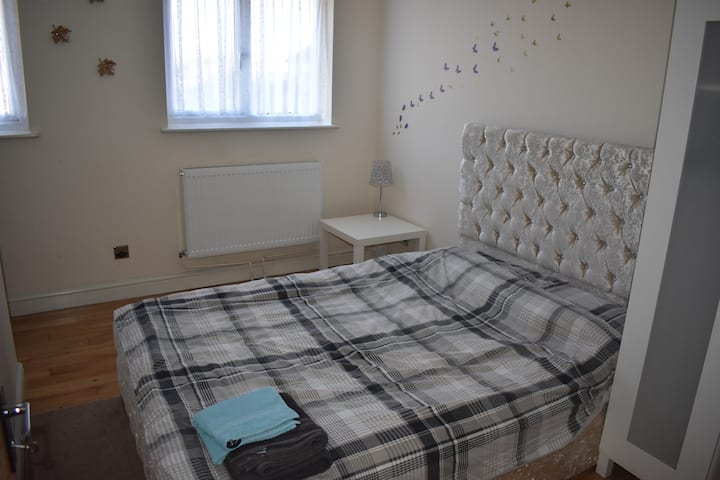 Double room near tram station and IKEA