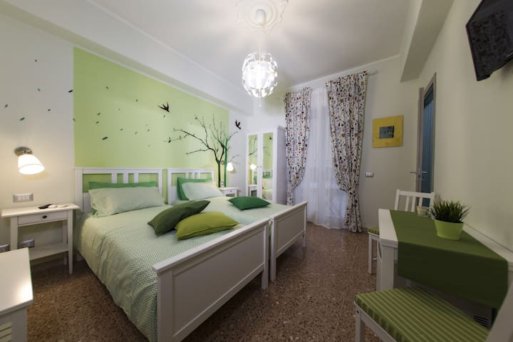Camera doppia e colazione - Messina