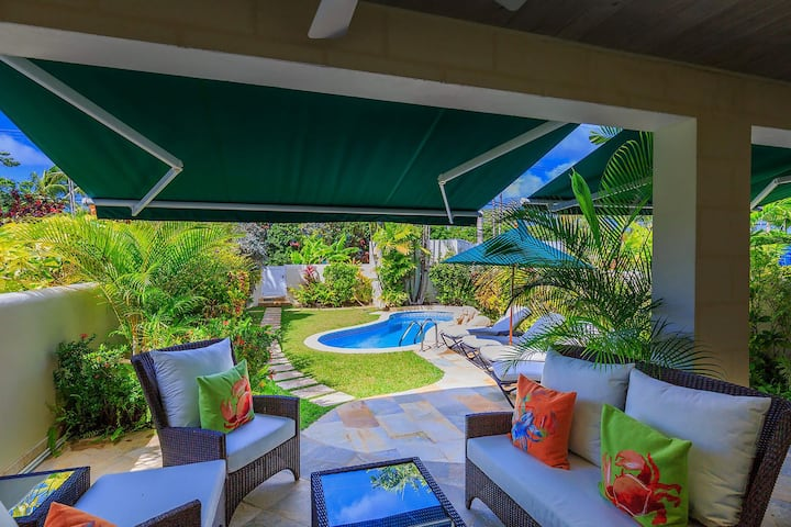 ZenBreak Townhouse 7 is a 4 bd within the exclusive Mullins Bay Development
