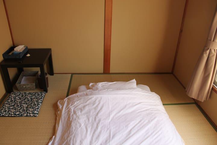 [西陣202] 京都駅から地下鉄鞍馬口駅徒歩10分の京都西陣のゲストハウスです。