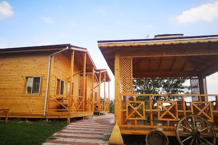 Salda gölünde manzaralı bungalov