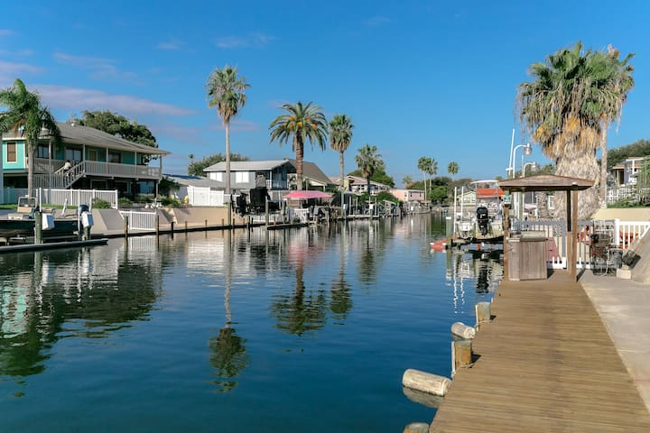 Canal House with Boat Dock & Pier - Rockport