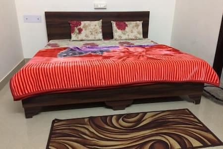 Stay near Iskcon temple,Vrindavan