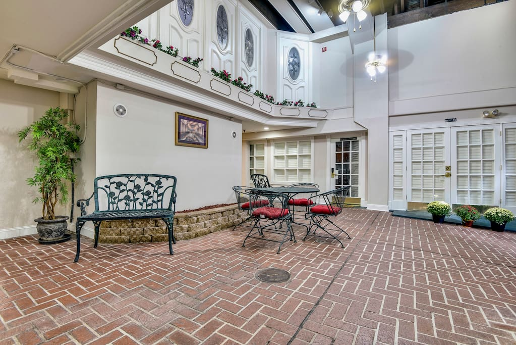 Two Bedroom Suite Warehouse District S Peters Boutique Hotels For Rent In New Orleans