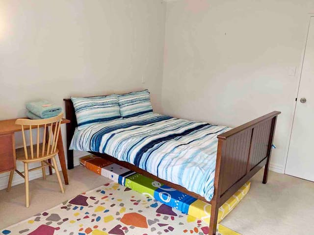 For group of three there will be one person sleeping on the single mattress on the floor.