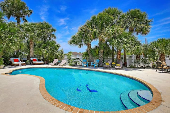 The Beach, A Pool, A Masterpiece - Juno Beach - Huis