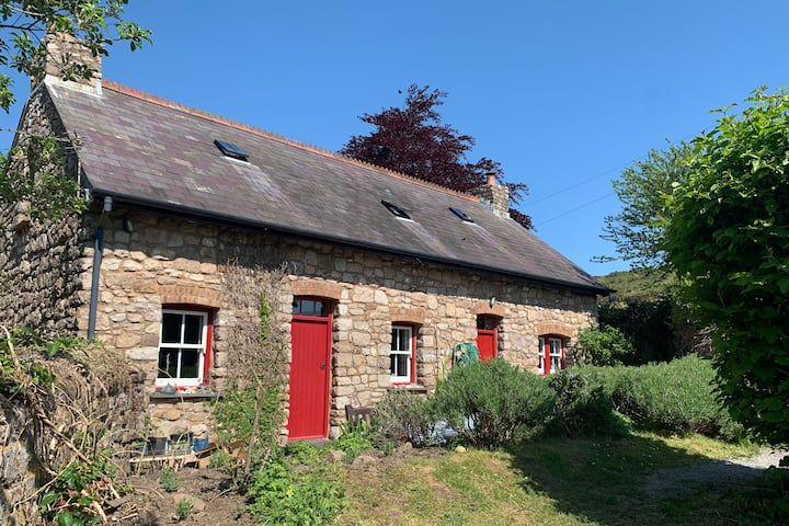 Secret Cosy Cottage in heart of Gower Peninsula