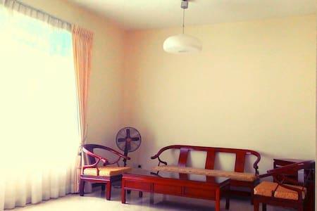 Spacious & cozy one bedroom home - Flat