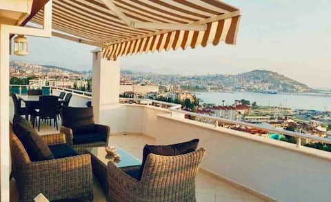 Penthouse With Amazing Sea&Marina View (1+1)