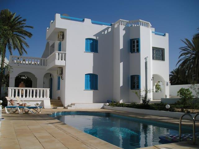 Villa individuelle avec piscine - zarzis - Casa