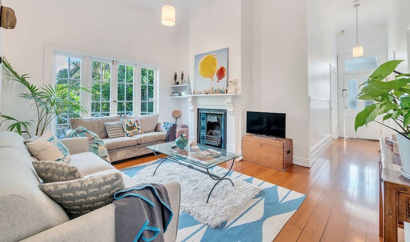 ✨Classic 3BR Home ✶Just Steps To Ponsonby Rd  ✨