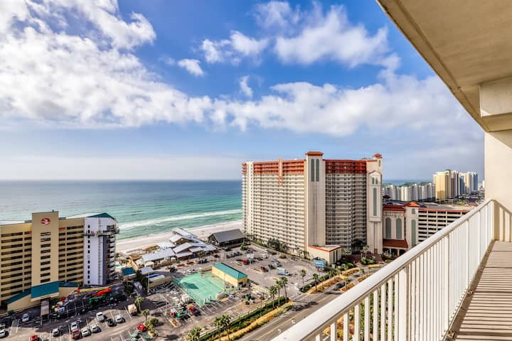 Gorgeous gulf view condo with beach access, 5 resort pools & hot tub!