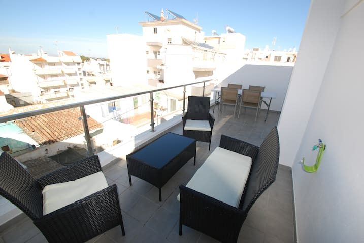 Gorgeous apartment by the beach (105m2 !)
