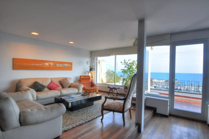 BEAUTIFUL APARTMENT SEA VIEWS - Sitges - Daire