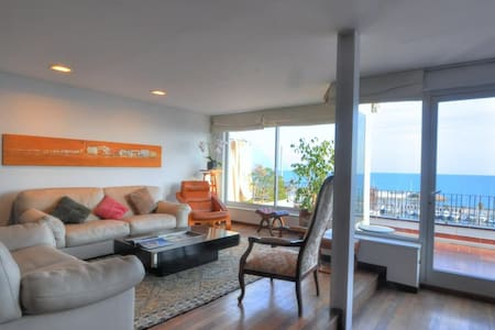 BEAUTIFUL APARTMENT SEA VIEWS - 锡切斯 - 公寓