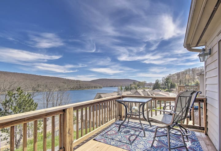 Deep Creek Lake Townhome w/Deck & Water Views