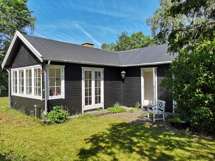 Idyllic cottage close to beach