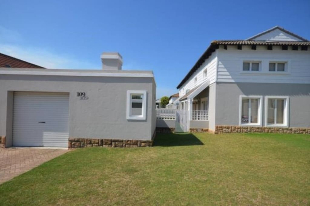 Private unit with garden & braai area