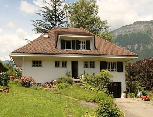 Chambre + Salle de Bains - Ugine - House